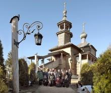 Наша группа на фоне Покровского Храма